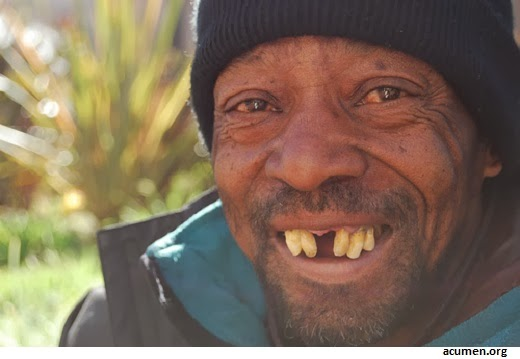 homeless-man-smiling